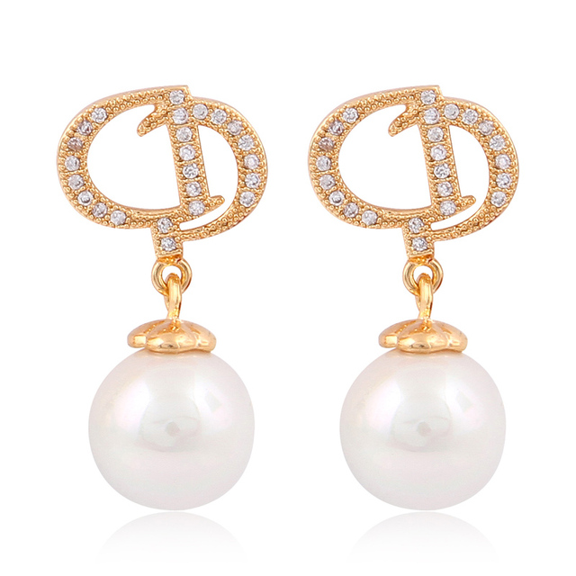 News Accessories D Word Clic Elegant Pearl Earrings Small Cute Round Statement Jewelry For Women