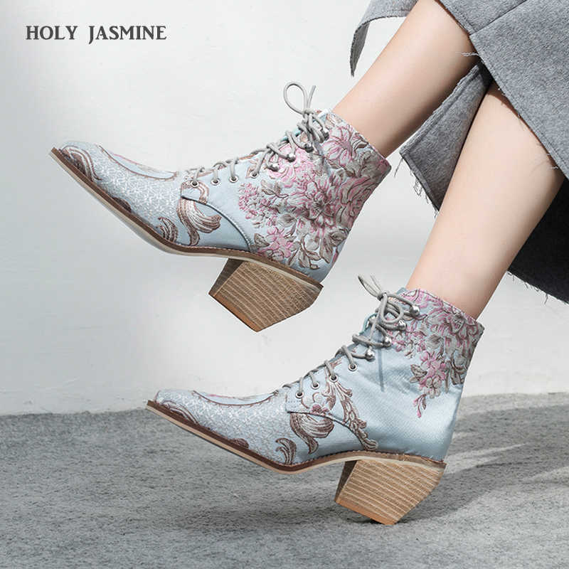 รองเท้าส้นสูงข้อเท้าจัดส่งฟรีรองเท้าสตรีฤดูหนาว 2019 ใหม่ผู้หญิงปักรองเท้า botines mujer botte femme bottine ดอกไม้