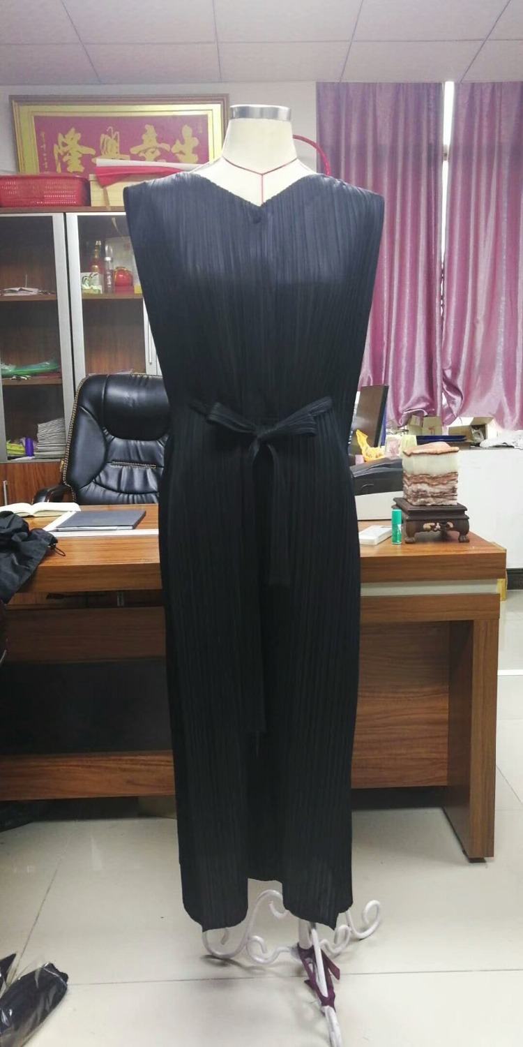FREE SHIPPING Miyake fashion fold v-neck belt pants jumpsuits SASHES PLAYSUITS IN STOCK 2