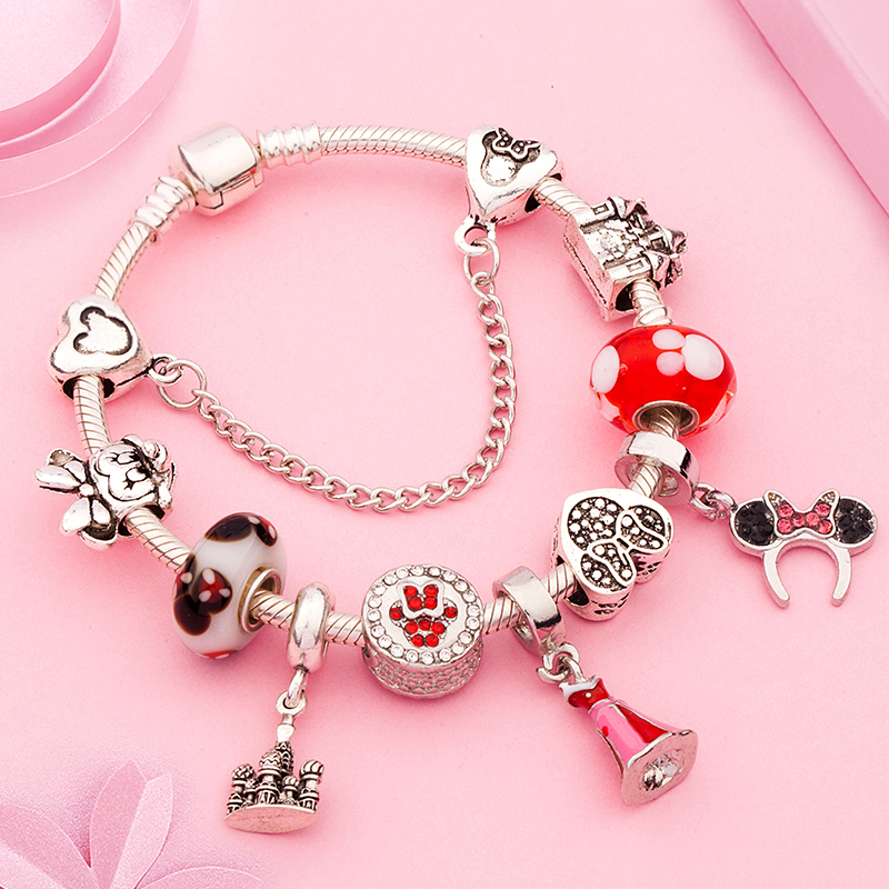 NEW LOVELY SILVER HEART WITH WINGS CLIP ON CHARM FOR BRACELETS-TIBETIAN SILVER