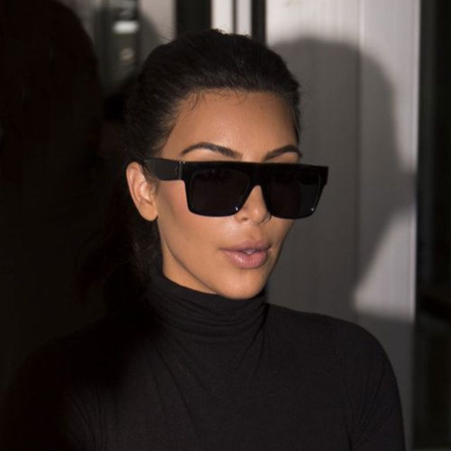 2017 Carré Celebrity Italie Marque Designer célèbre Kim Kardashian Dame  Lunettes De Soleil UV400 Vintage Femmes ff17fec771c5