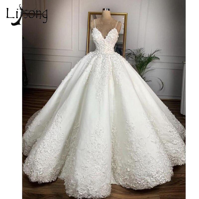 Vintage Lace Floral Wedding Dresses 2019 Casamento 3D Flower Bridal Ball Gowns V-neck Lace Up Plus Size Wedding Dress