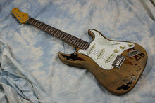 Custom Shop 100% handmade super relic st electric guitar alder body aged style real guitar picture high quality free shipping free shipping new arrival custom shop bull eyes black white electric guitar