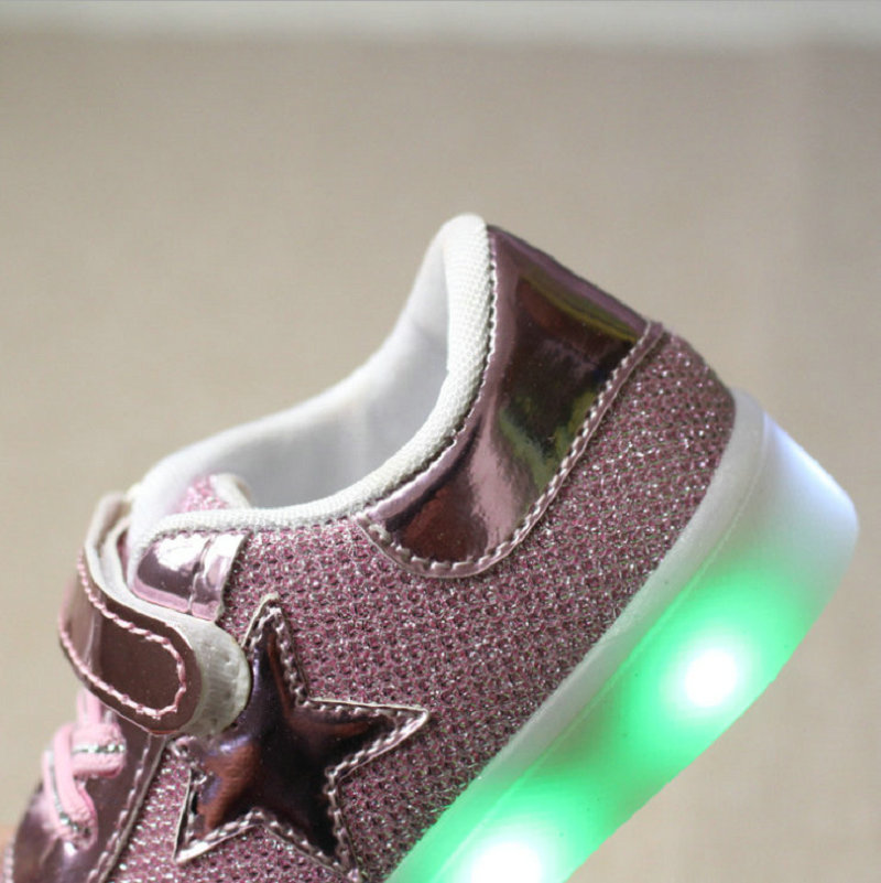 2016-New-Autumn-Toddler-Brand-Kids-LED-Luminous-Sneakers-Breathable-Child-Colorful-Flashing-Baby-girls-Sport-Shoes-with-light-4