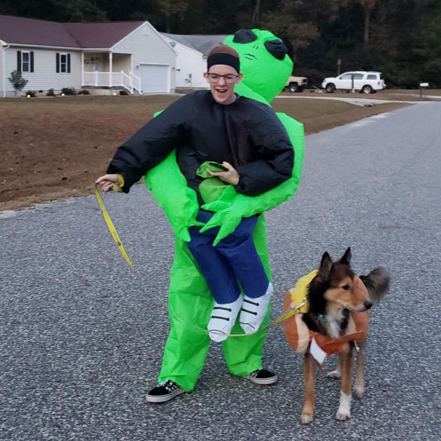 ET-Alien Inflatable Monster Costume Scary Green Cosplay Costume For Adult 1
