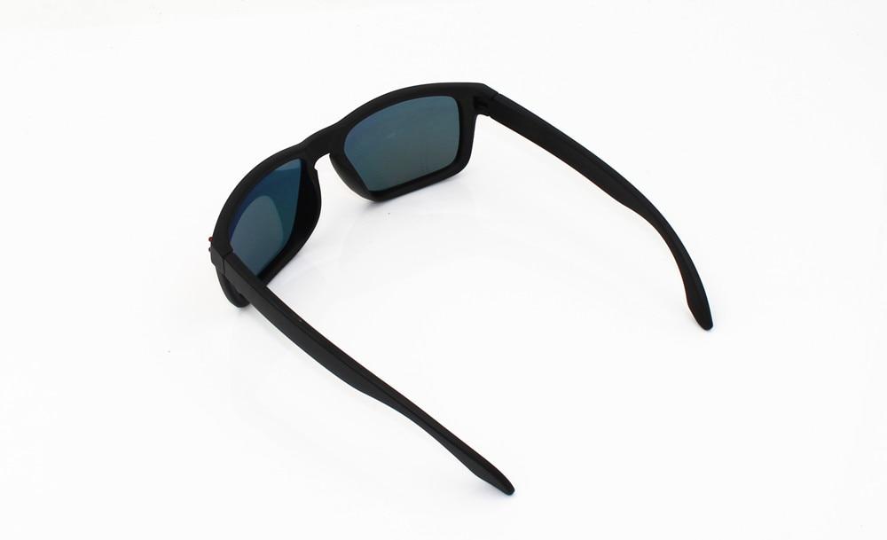 Men Polarized Sunglasses Classic Men Retro Rivet Shades Fishing Sun glasses Eyewear Oculos De Sol Masculino 9102 VR46 in Fishing Eyewear from Sports Entertainment