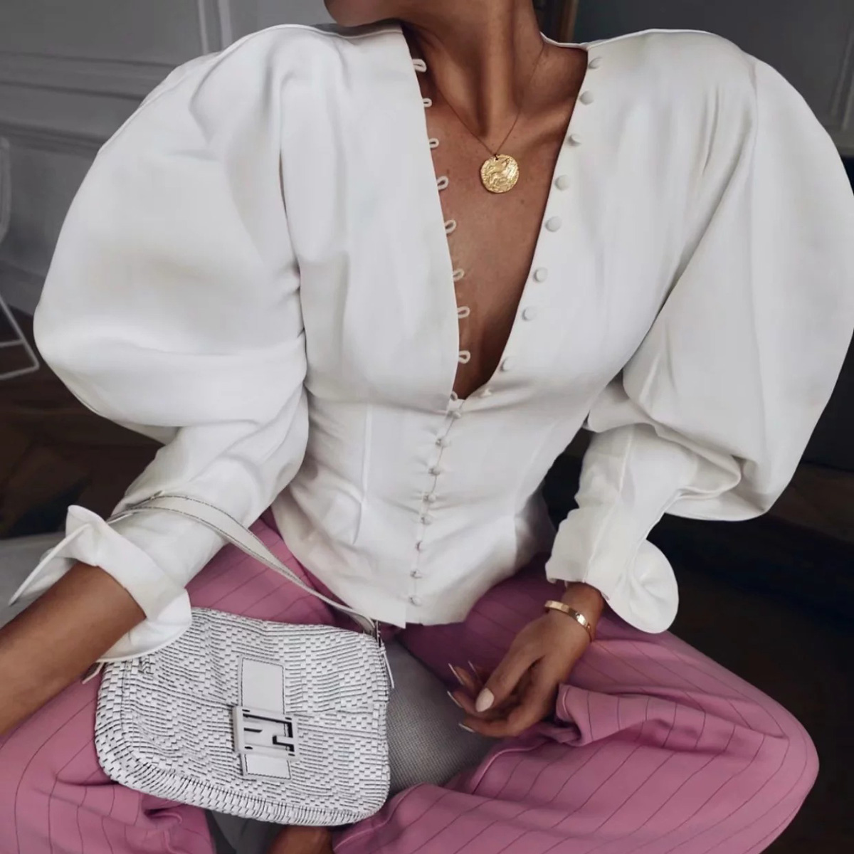 2018 Autumn Women Shirt Blouse V Neck Single Breasted Chic Sexy Top Long Puff Sleeve Boho Top Blouses Blusa Casual White Shirt