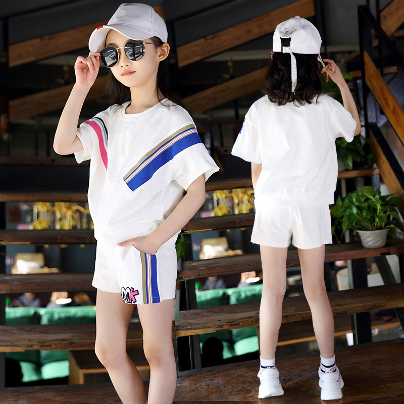 Girls summer suit 2018 new female big child hit color childrens sports short-sleeved two-piece