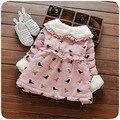 2016 зима turn down меховой воротник новорожденных девочек платья птицы печати сладкий новорожденных девочек одежда толстые дети партии vestidos infantil