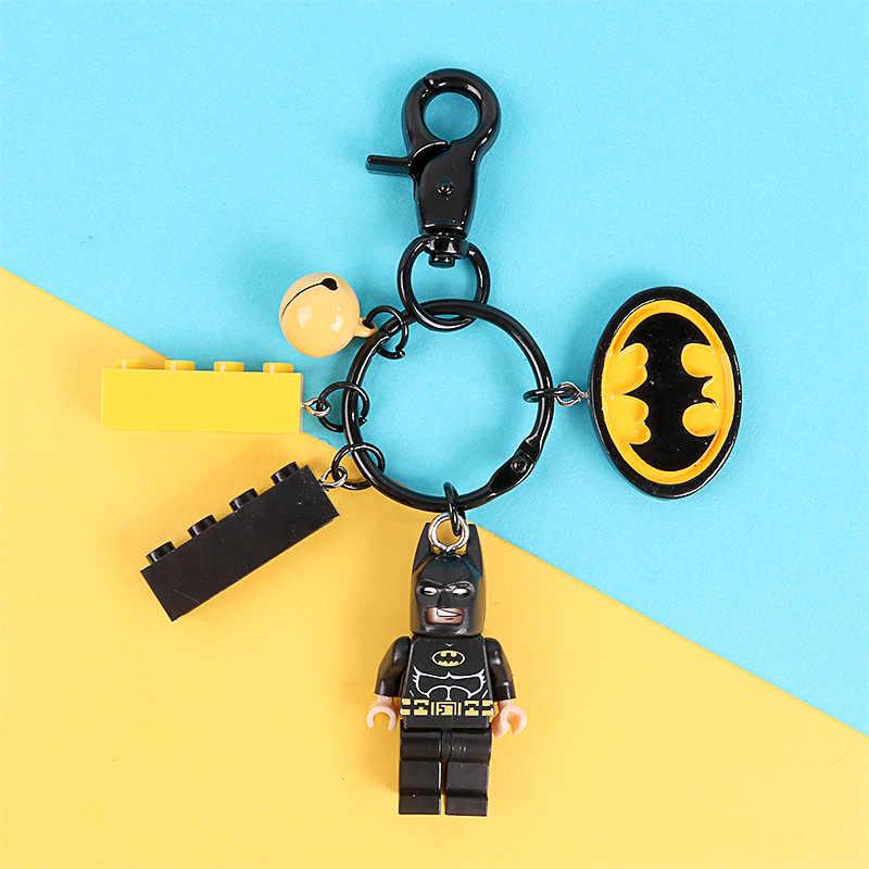 Bonito Batman Superman Figuras Buzz Lightyear Boneca Chaveiro Chave Pingente Anel para As Mulheres Saco de Bloco de Construção Acessórios Mochila