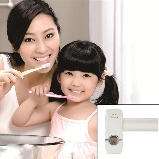 1 set Spazzolino da denti Holder Dispenser Automatico di Dentifricio + 5 Spazzolino Da Denti Supporto di Montaggio A Parete Del Basamento Bagno Strumenti Suporte Dente