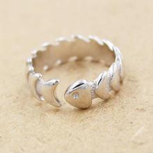 Открытое кольцо из серебра 925 пробы с гладкой и не вызывающей
