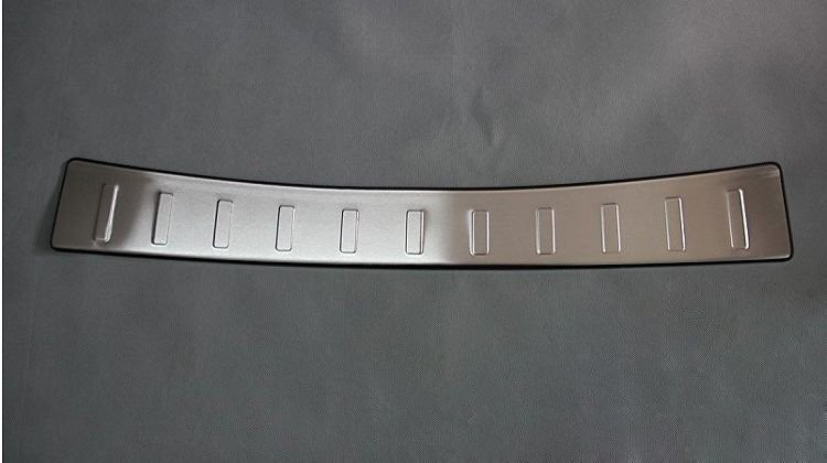 цена на Stainless Steel Rear Bumper Protector Guard Door Sill Scuff Plate Trim Fit For Toyota Verso EZ 2011 2012