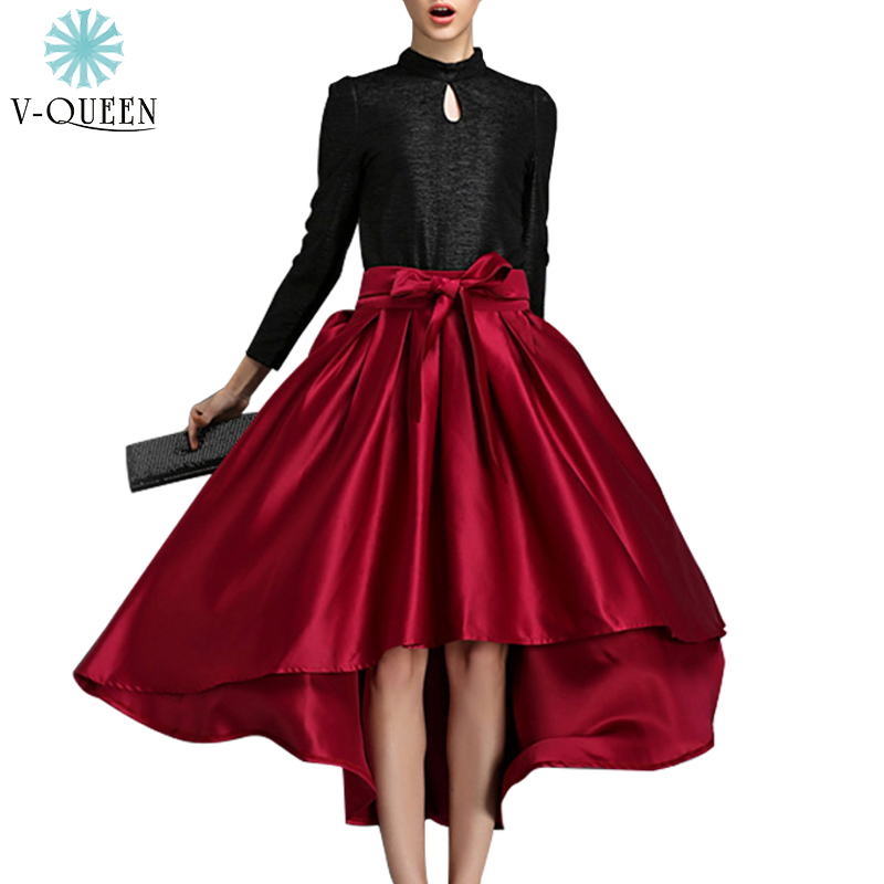 Midi skirts and high waisted skirts are great options for work, ideal when you want to project an ultra-professional image. Show off your curves with a bodycon skirt or bandage skirt, or throw on a maxi skirt when you need a hot option for a dressy event.