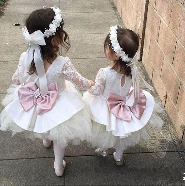 Cute White Ivory Lace Flower Girl Dresses with bow Knee Length Crystals Sash Lovely Kids Birthday Party Ball Gowns
