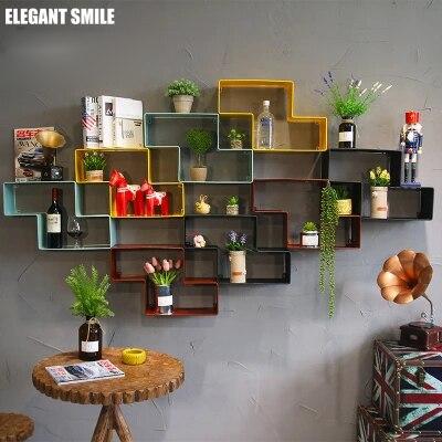 Retro Z shaped Wrought Iron Titres Wall Shelf Creative Lattice Partition Wall Hanging Wall Mounted Combination Bookshelf