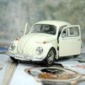Marca nuevo UNI 1/32 Scale Car juguetes modelo alemania 1967 Volkswagen Beetle Diecast Metal tire volver Toy Car para el regalo / colección / niños