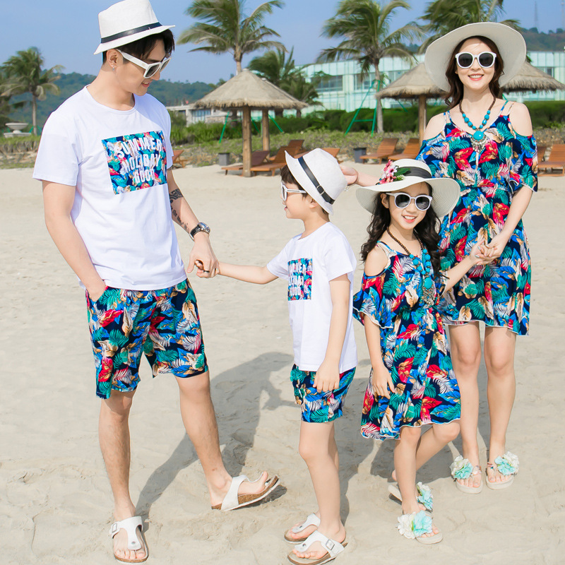 LYONAVA 2018 new summer the beach installed couple mother daughter dress father son shor ...