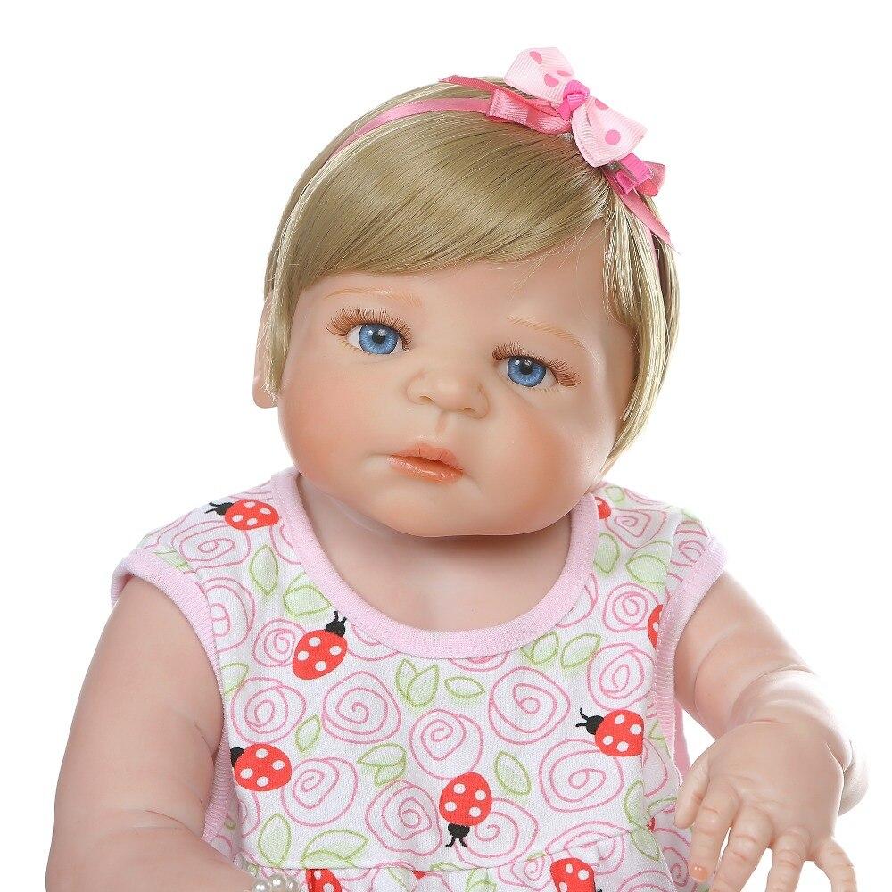 56 CENTIMETRI bebe bambola del bambino rinato ragazza bionda dei capelli neonato victoria corpo pieno di silicone giocattolo del Bagno morbida reale di tocco impermeabile-in Bambole da Giocattoli e hobby su  Gruppo 3