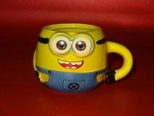 Nueva caliente 10x7x6.8 cm Pequeña taza de café taza de helado de diy pequeño hombre amarillo de dibujos animados creativa taza de cerámica del envío libre