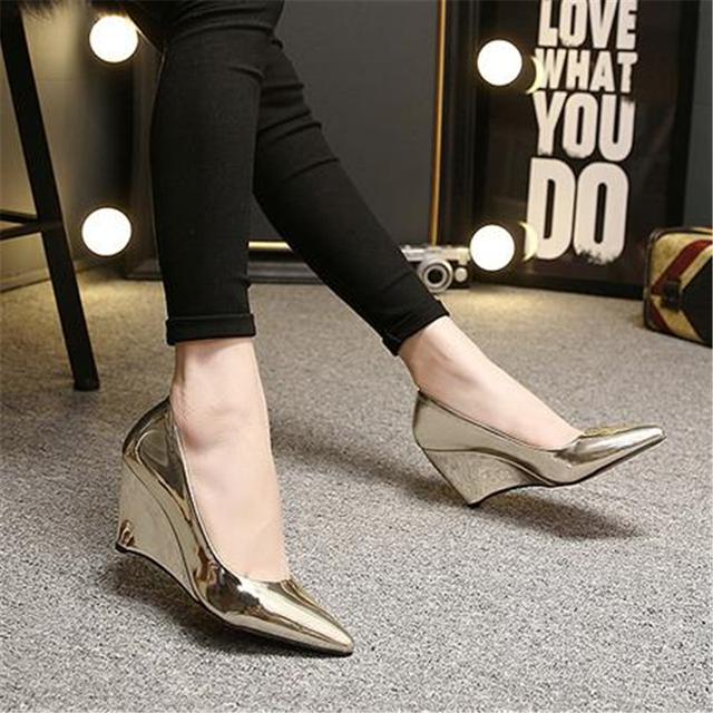 2015 cuñas de cuero genuino únicos zapatos de tacón alto de los zapatos de la boca baja ol zapatos de trabajo blanco y negro en punta zapatos de las mujeres