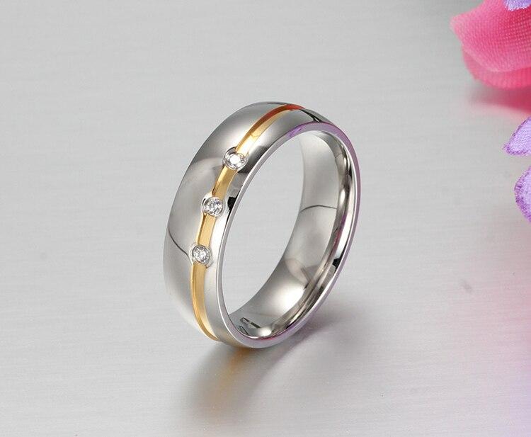 d01c0fb3122 Anillos de boda de acero inoxidable de Alianza personalizada de Color  dorado para él y sus anillos de boda anel ouro en Anillos de Joyería y  accesorios en ...