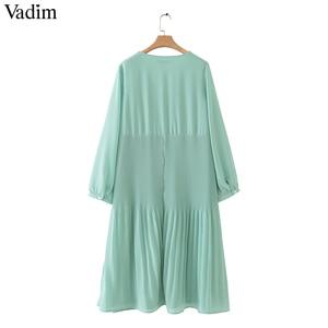 Image 2 - Vadim kobiety do połowy łydki szyfonowa sukienka plisowana V neck z długim rękawem prosto drapowana casual sexy sukienki midi solidna vestidos QB399