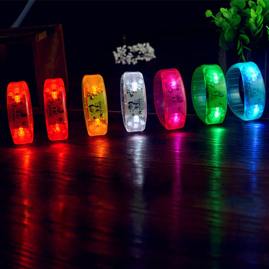 Control de sonido activado led light up pulsera glow flash brazalete para el fes