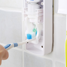 1 Set Automatic Toothpaste Dispenser with Toothbrush Holder Bathroom Water Resistant Sticky Toothpaste Squeezer