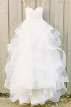 Ivory Sweetheart Strapless Tulle Floor-length Beach Wedding Dresses With Ruffles