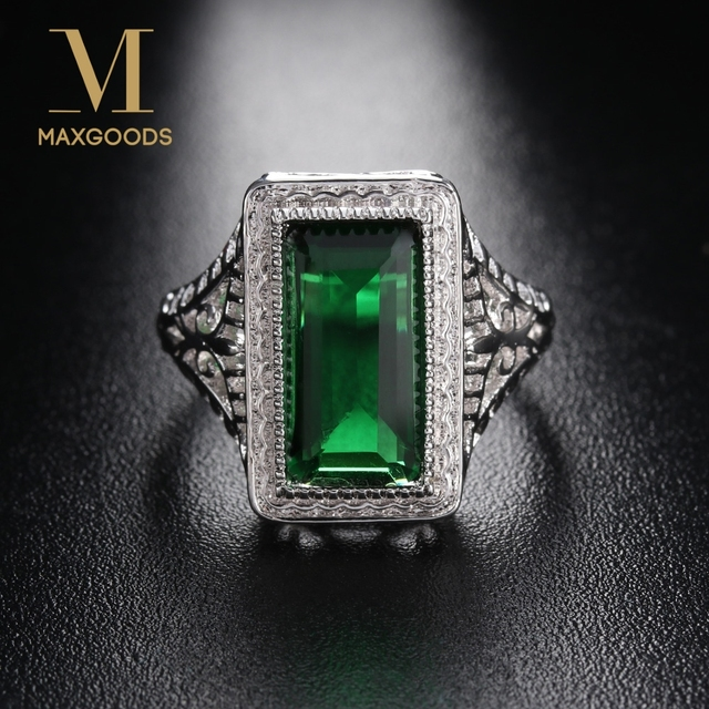 Vintage Crystal Ring Natural Green Rhinestone Ring Birthday Gift Antique  Engagement Party Band Rings for Women Bride Jewelry 0362e8c5591b