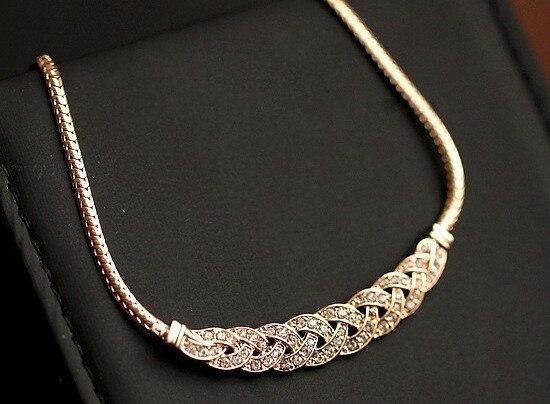Collar de oro con diamantes