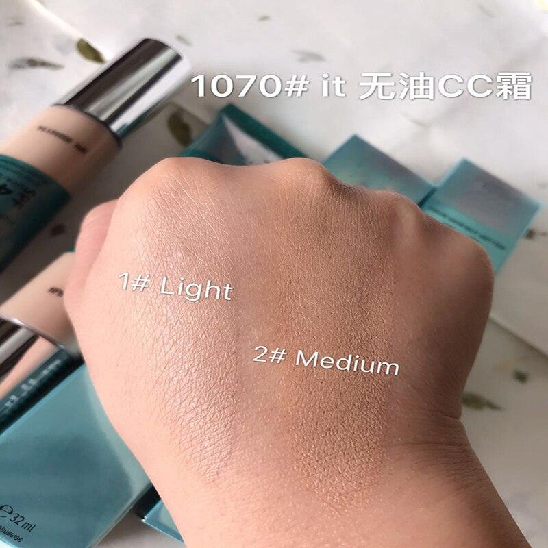 IT Cosmetics Your Skin But Better CC+ oil free matte sans huile fini mat pore minimizing full coverage cream 4