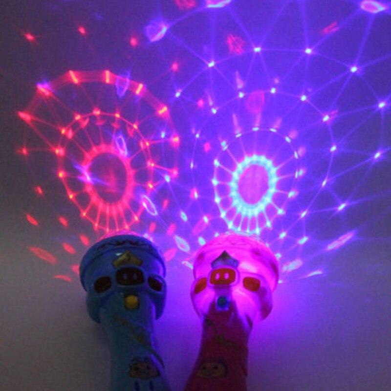 Palillo brillante micrófono estilo juguete luz micrófono juguete brillante juguete música parpadeante Singing divertido regalo música juguete fiesta Flash Sticks 2019 SpongeBobinglys música piña casa Patricio Star edificio educación en bloques figuras juguetes niños regalos de cumpleaños
