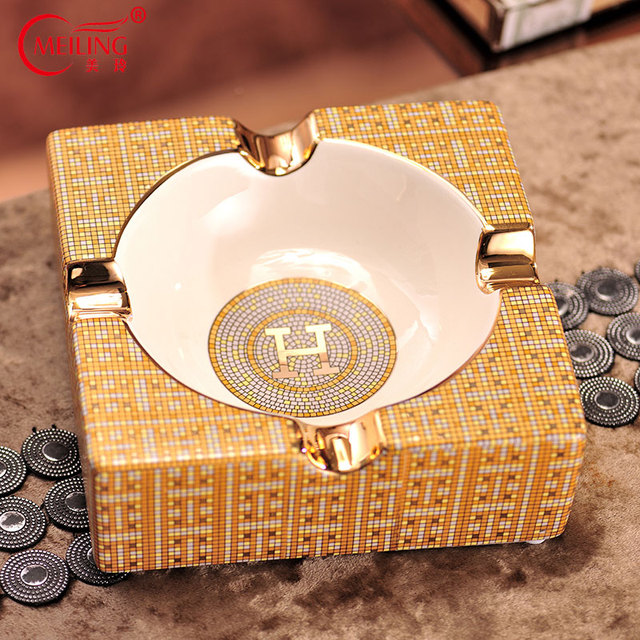 European Luxury Gold Ceramic Cigar Ashtray Home Table Accessories Deco Boss Dad Husband Men Birthday Gift Outdoor Smoke Ash Tray
