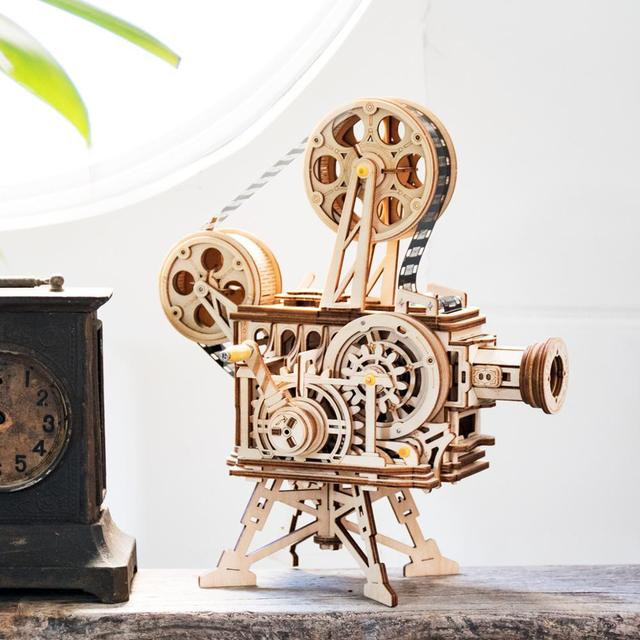 Robotime-183pcs-Retro-Diy-3D-Hand-Crank-Film-Projector-Wooden-Model-Building-Kits-Assembly-Vitascope-Toy