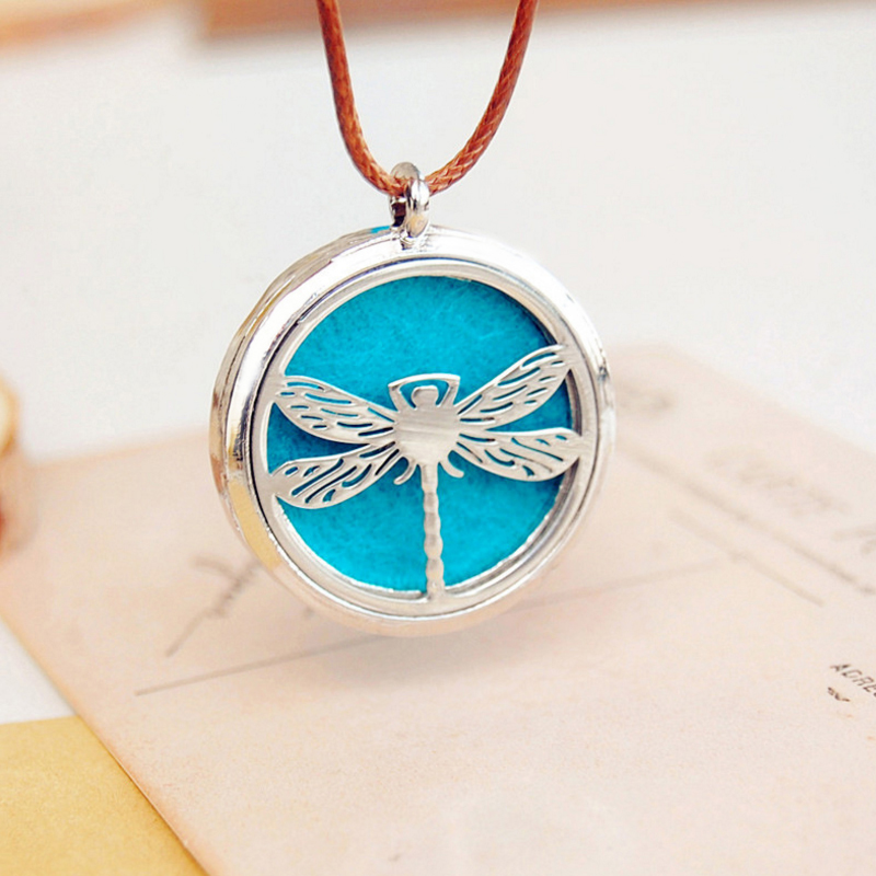 Hollow Stainless Steel Perfume Oil phase box alloy necklace can open the factory spot direct