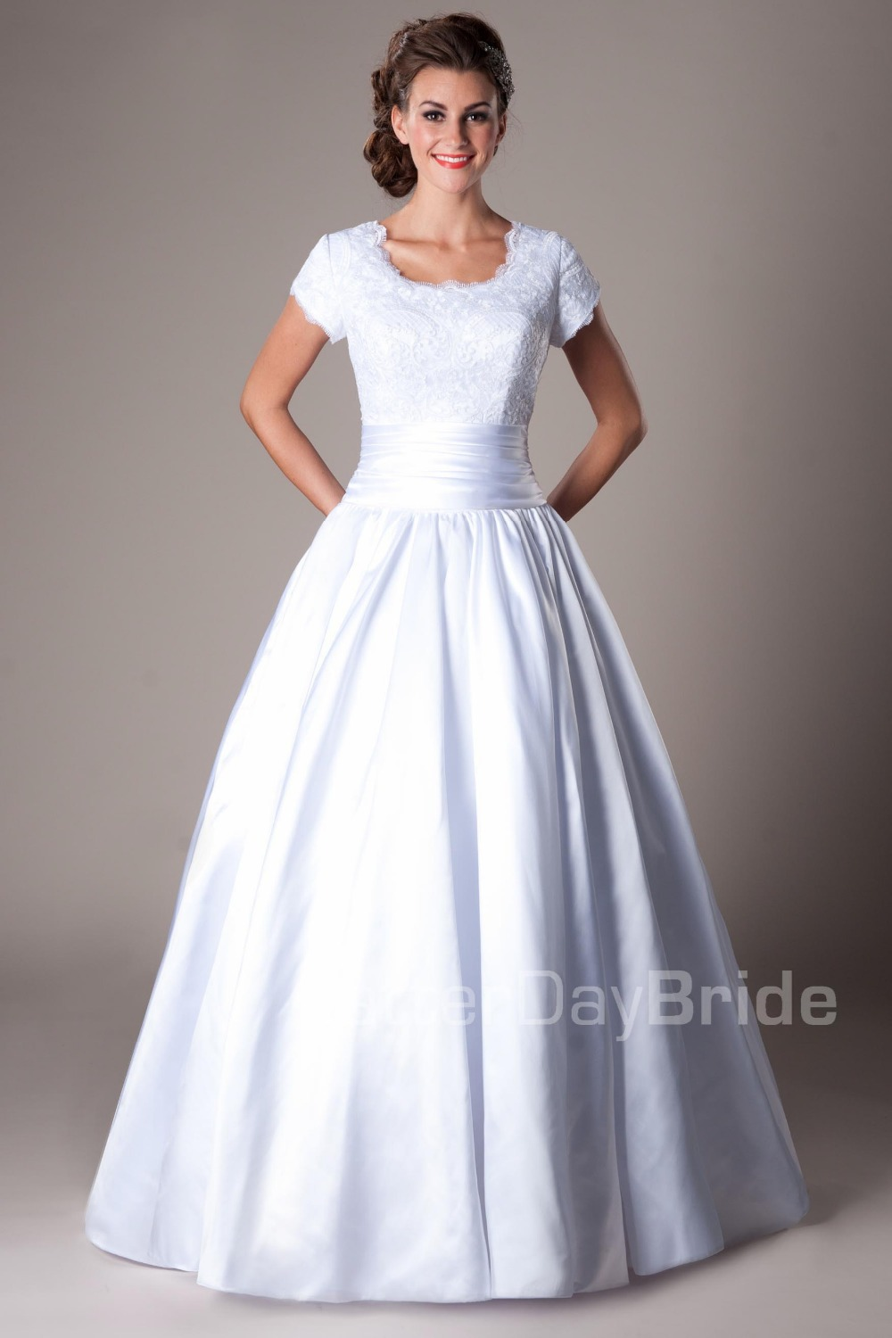 2016 women modest wedding gown with sleeves white long for Satin belt for wedding dress