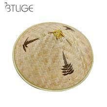 BTLIGE Retro de bambú de mimbre sombrero de pescador tejido hecho a mano de paja  sombrero del cubo turismo lluvia tapa baile acc. ee741adcab1