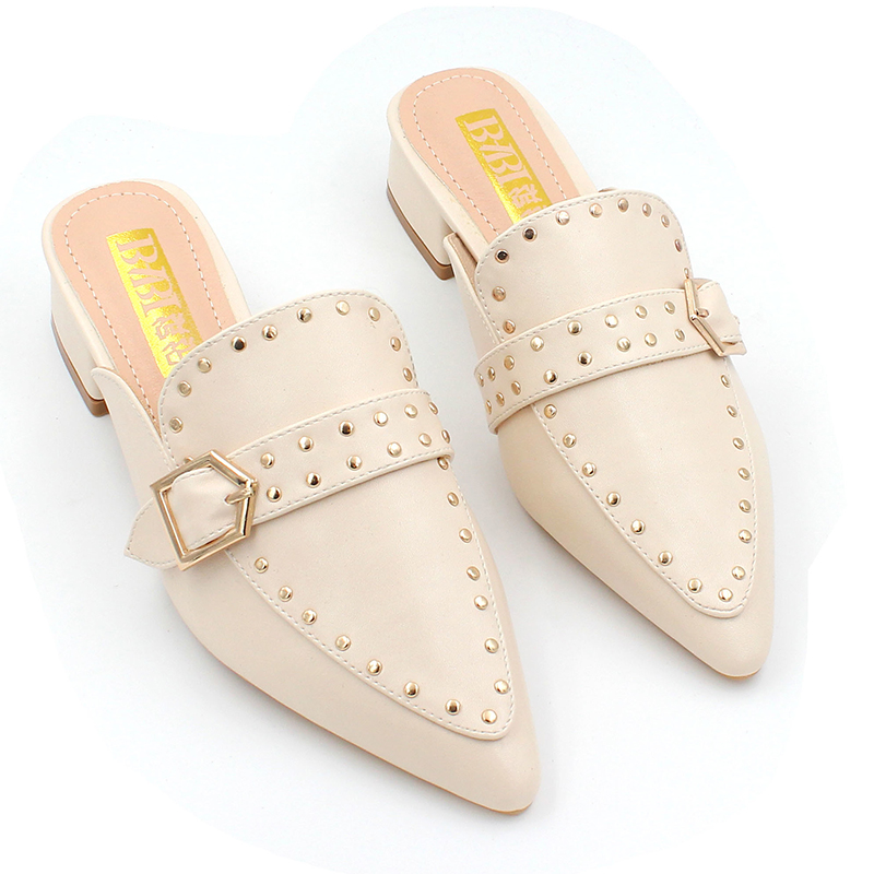 2019 Rivet Leather Mules Women Outdoor Slippers Women Pumps Pointed Toe Low Heel Summer Casual Shoes Woman buty chaussures femme in Slippers from Shoes