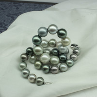 Black Tahitian Pearls Necklace with 14K Gold Clasp