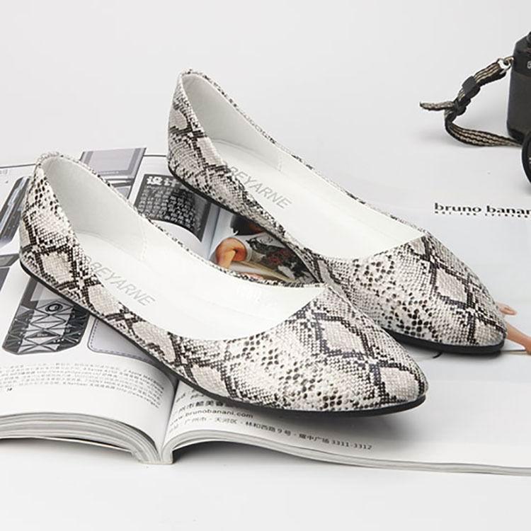 Femme Tendances Sur Serpent Plat Femmes Photo Britannique Dame as Mode Photo 41 Imprimer Noir Peu As Chaussure Style Mocassins 35 Profonde Slip Casual Chaussures fzw7q