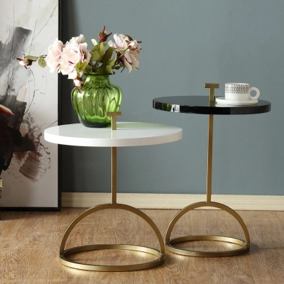 Nordic style round coffee table metal creative side table simple corner table modern round sofa table coffee table