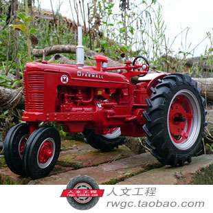 Case Farmall M alloy classical tractor agricultural vehicle model New Year gift genuine ERTL