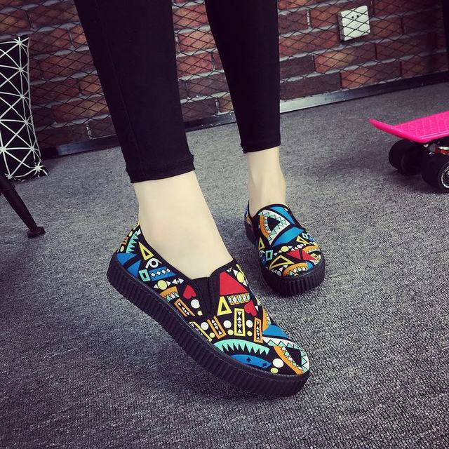 Женщины Повседневная Обувь Мода 2016 Осень Скольжения на Геометрическая Плюс Размер Резиновой Обуви Квартиры zapatillas deportivas mujer Z375
