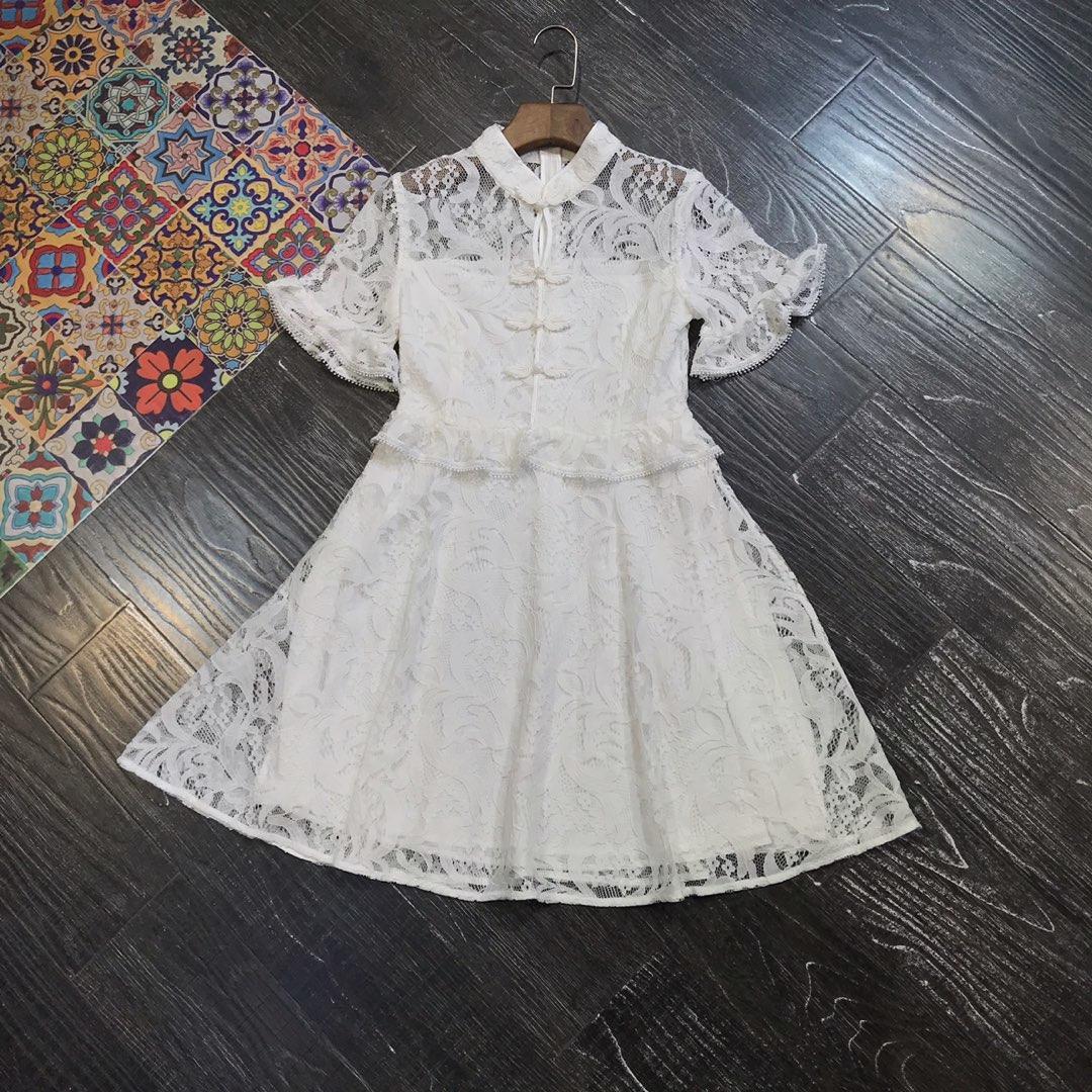 En été 2019, la nouvelle fleur crochet montre mince évider un mot pour recueillir la taille robe en dentelle