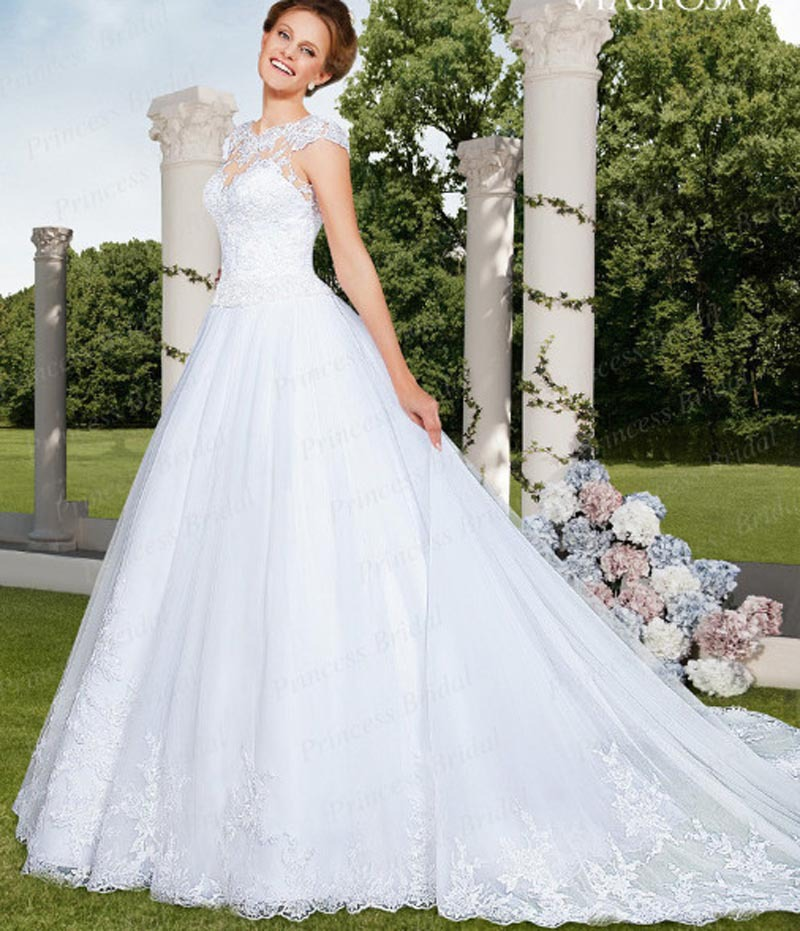 Best Wedding Gowns 2015: Free Shipping Top Quality Fluffy Ball Gown Bridal Gown