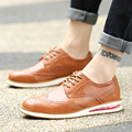 2016 Fashion Men Soft Leather Shoes Round Toe Carved Bullock Flat Shoes Casual Retro England High Quality Brogue Shoes Oxfords