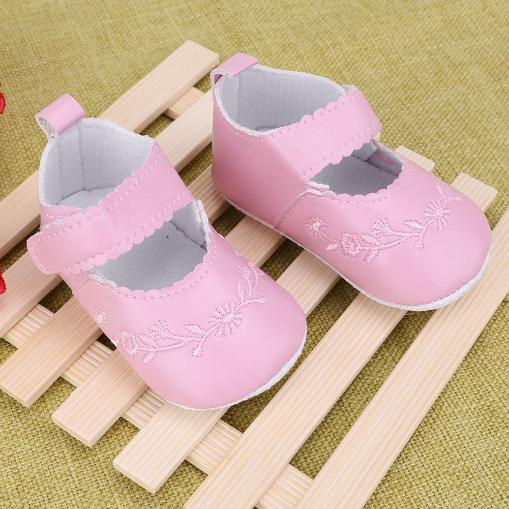 PU Leather Baby Boy Girl Baby Moccasins Shoes Fretwork Fringe Soft Soled Non-slip Footwear Crib Shoes First Walkers