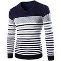 2016 Новых осенью и зимой мужские случайные V-образным Вырезом свитер хеджирования заклинание цвет полосы вязать свитер Моды для мужчин Шерстяные Свитера